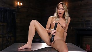 Carter Cruise tries the fuck machine in a brutal manner